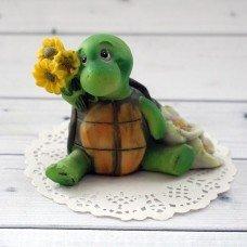 Черепаха с цветами