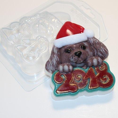 2018/Собака в новогодней шапке