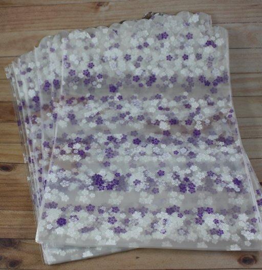 Пакет с цветочками фиолетовыми