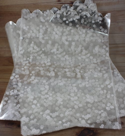Пакет белый цветочек