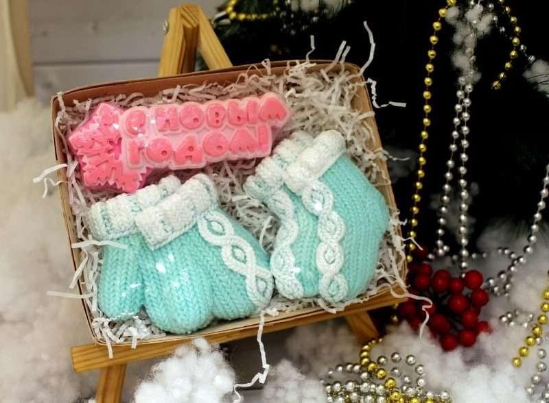 Набор С новым годом, варежки, носки