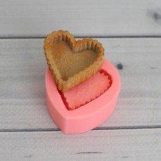 Вафельное сердце-корзинка
