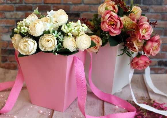 Флористическая коробка Трапеция белая